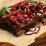Ребрышки с вишней в копченом соусе BBQ Фото