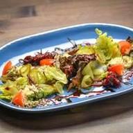 Салат с ростбифом и овощами-гриль Фото