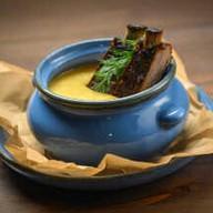 Крем-суп гороховый с копченым ребром Фото