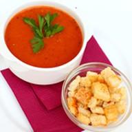 Томатный суп с тигровыми креветка Фото