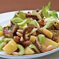 Салат с осьминожками Фото