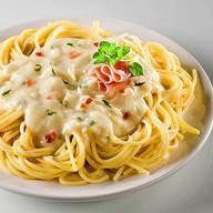 Спагетти с сырным соусом Фото