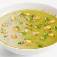 Крем-суп гороховый с копченостям Фото