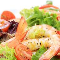 Теплый салат по-средиземноморски Фото