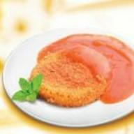 Сыр жареный с соусом Фото