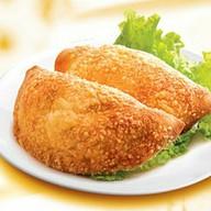 Кальцоне с курицей и Кальцоне сырный Фото