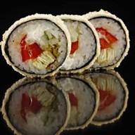 Теплый ролл с лососем Фото