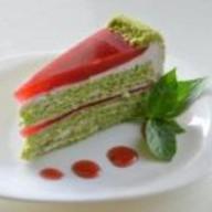 Базиликовый торт с малиновым муссом Фото