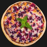 Пицца с черникой Фото