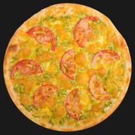 Пицца с куриным филе и шпинатом Фото
