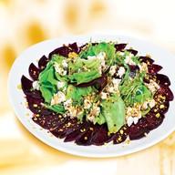 Салат с печеной свеклой Фото