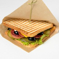 Салями-сэндвич Фото
