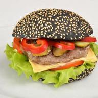 Блэк бургер с говядиной Фото