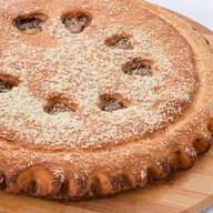 Пирог с вареной сгущенкой и арахисом Фото
