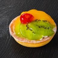 Корзиночка с киви и персиком Фото