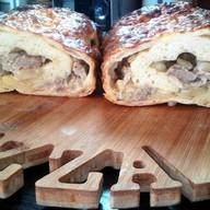 Рулет мясной под сыром Фото