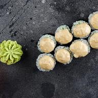 Ролл с авокадо и ореховым соусом Фото