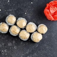 Ролл с угрем и ореховым соусом Фото