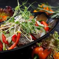 Тайский салат c говядиной Фото