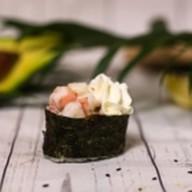 Суши с креветкой и сыром филадельфия Фото