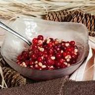 Брусника с кедровыми орешками и медом Фото