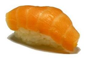 Суши с копчёным лососем - Фото