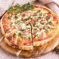 Французский пирог с брынзой и помидорами Фото