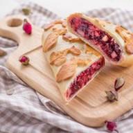 Венский пирог с вишней и грушей Фото
