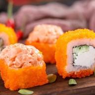 Сливочный спайси ролл с лососем (острый) Фото