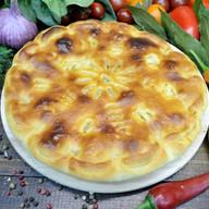 Пирог с курицей, грибами и сыром Фото
