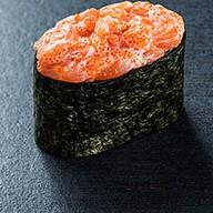 Суши гункан лосось Фото