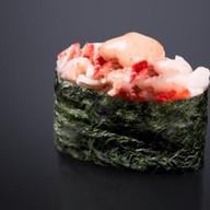 Гункан запеченный острый с крабом Фото