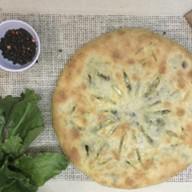 Пирог со свекольной ботвой и сыром Фото