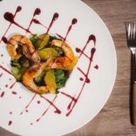 Салат из цитрусов с креветками Фото