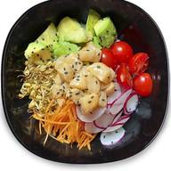 Поке с гребешком и авокадо Фото