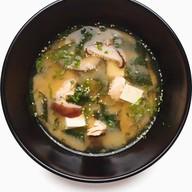 Мисо-суп с лососем и тофу Фото