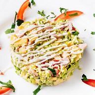 Салат овощной с морским коктейлем Фото