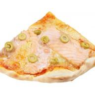 С лососем и оливками Фото