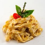 Феттучине с итальянскими сырами Фото