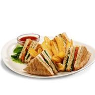 Сэндвич «Чикен Клаб» Фото