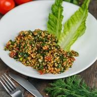 Салат с восточной крупой,томатами,кинзой Фото