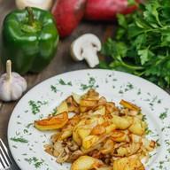 Картофель жареный с грибами и луком Фото