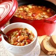 Тосканский фасолевый суп с гренками Фото