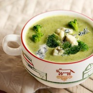 Суп-пюре из брокколи с сыром горгонзола Фото