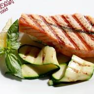 Стейк из лосося с цукини Фото