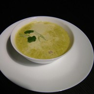 Крем-суп из зеленого горошка Фото