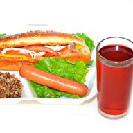 Комплекс ланч с салатом и с сосиской Фото