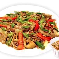 Гречневая лапша с овощами и свининой Фото