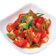 Салат из свежих помидор Фото