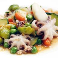 Морепродукты с овощами Фото